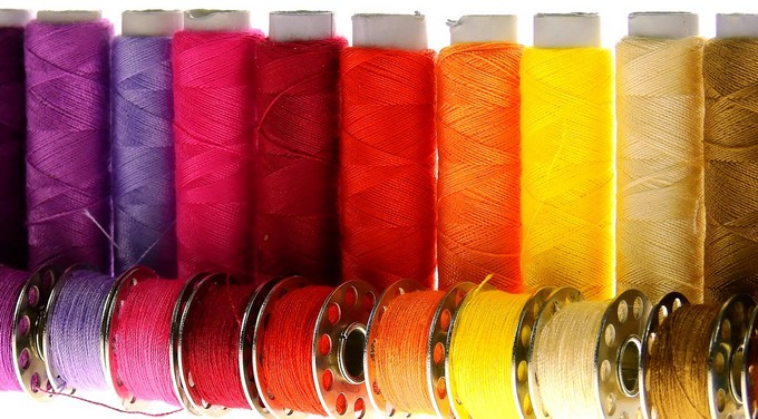 Matching spool and bobbin threads